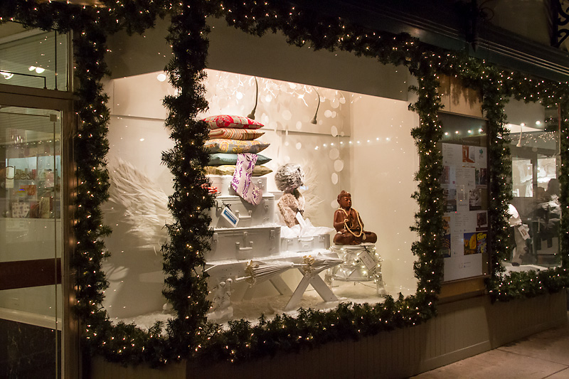 Thornes Marketplace Holiday Window Displays